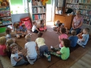 Smerfy w bibliotece - lekcja biblioteczna