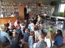 Klasa 0 i 3 na lekcji bibliotecznej_6